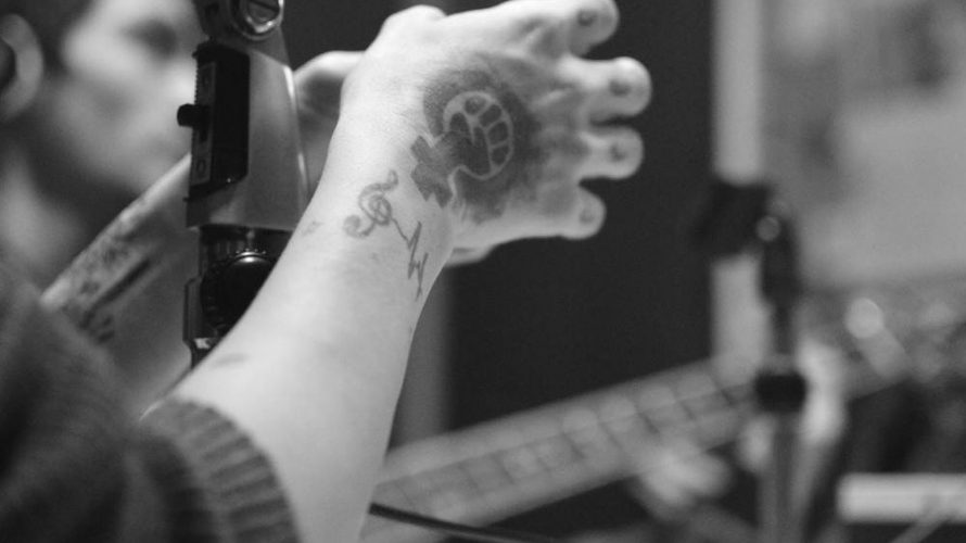 TALLER INTEGRAL DE RADIO ATOMIKA – LA RADIO COMO EXPERIENCIA. //info@radioatomika.com.ar //47131067//1551588970 No te quedes con las ganas de Ex-presarte. No te mueras con la música adentro. Del marote al […]
