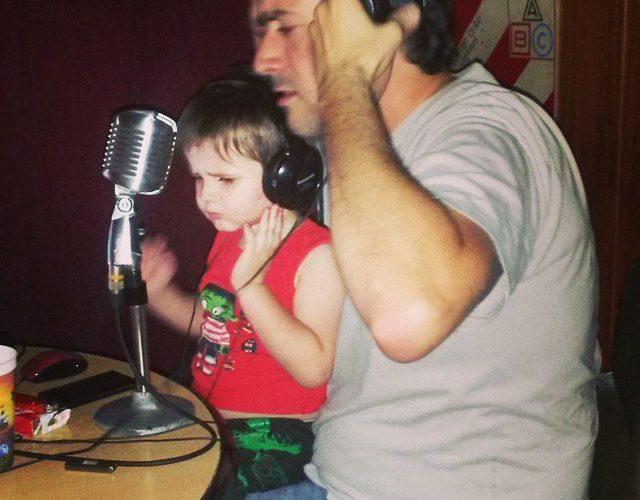 Hoy Radio Atomika festeja 13 años de vida. Fede Di Paolo, Adrián Cordaray Martin Butera son grandes amigos que me dio la emisora. Cuando arrancamos eramos unos nenes con mucha […]